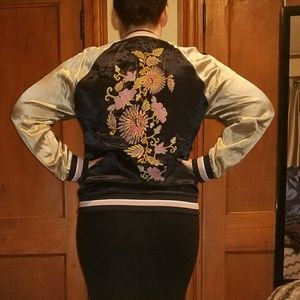 Zip up jacket with floral embroidery